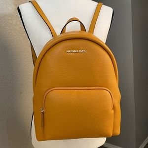 New 💛 Mk ERIN medium backpack